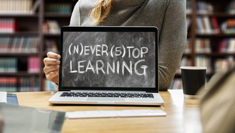 【英語上級者】より高みを目指す方へ贈る勉強法|上級の具体的なレベル・多聴多読のすすめ
