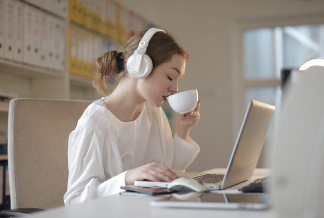 オンライン英会話に最適な回線 wifi 光回線