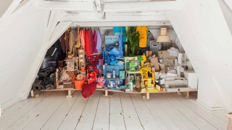 海外移住するときの荷物の整理方法|手放すなら「売る・譲る・保管する・捨てる」