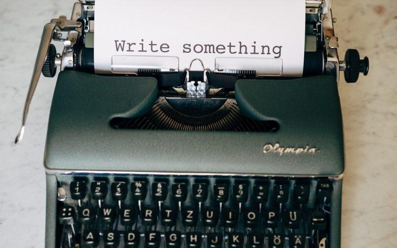 文賢は使えない?文章推敲ツールのメリットと使い方|執筆の誤字脱字チェック