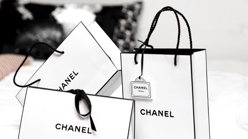 海外通販の関税 いくらかかる?支払い方法・かけずに買い物するには