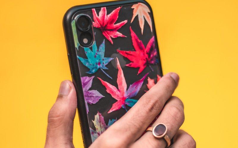頑丈でスマートなポップソケット付きiPhoneケースOtterbox(オッターボックス)レビュー